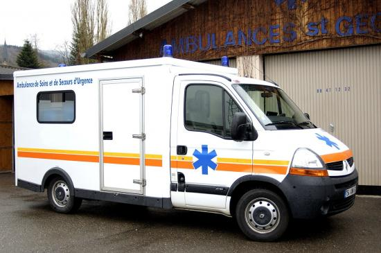 renault cube contact ambulances. Black Bedroom Furniture Sets. Home Design Ideas
